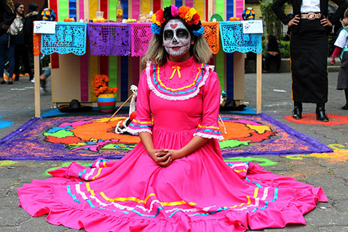 day-of-the-death-ofrenda-decorations