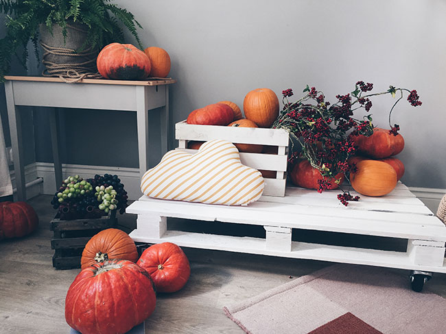 indoor-fall-decor-ideas-on-a-budget-